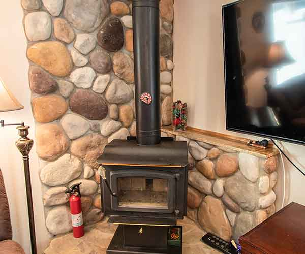 LBear-Wood-Stove-1-600x500
